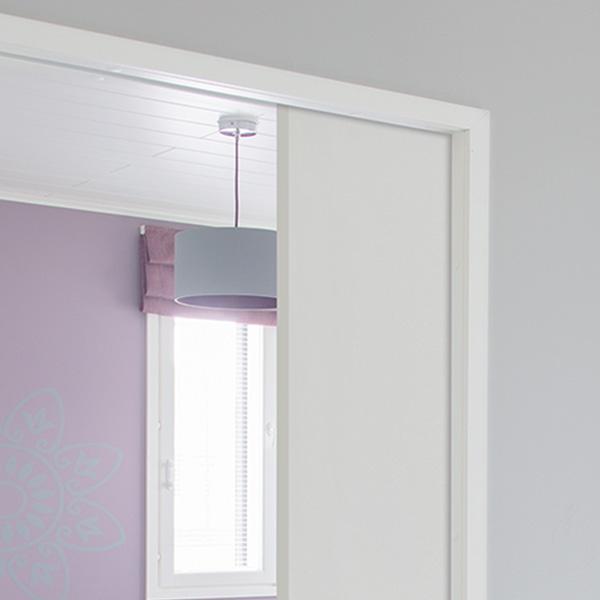 Liune täckkarmar- Standard täckkarmar med Liune dörrleverans. Alla färgtoner är möjliga.
