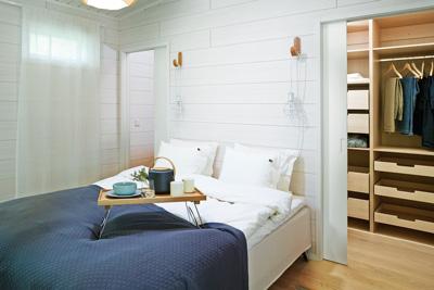 Sovrummet med Liune dörr