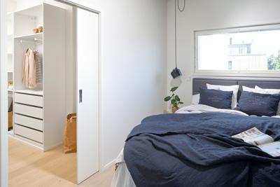 Garderob med Liune dörr